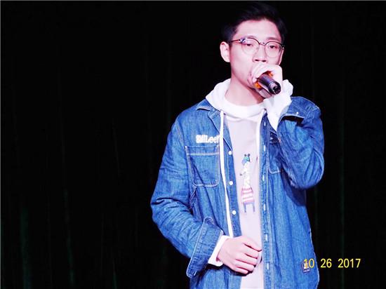 22 15级歌曲演唱 叶子 15级音乐表演 黄帅.jpg